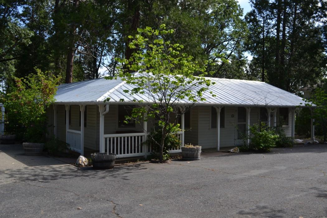 Uptown Unit 9 - Zia Cottage