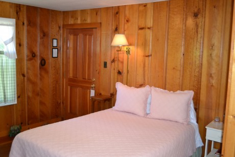 The Inn at Sugar Pine Ranch - 1 Queen Bed at Cottage #5 Family