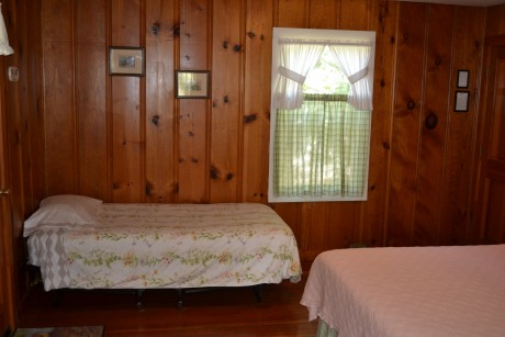 Single Bed in Family Cottage #4