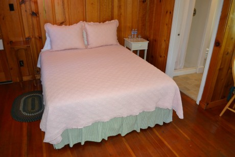 The Inn at Sugar Pine Ranch - Cottage #4 Bedding