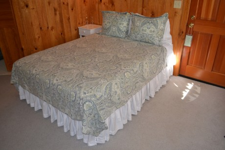 Deluxe Cottage #3 Bedding